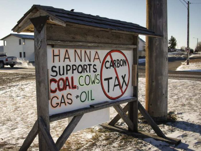 residents-of-hanna-alta-have-erected-a-sign-showing-their